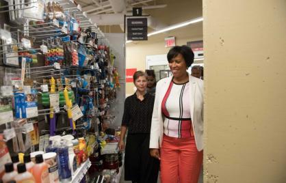 Mayor Bowser Visits Frager's Hardware to Mark Minimum Wage Increase